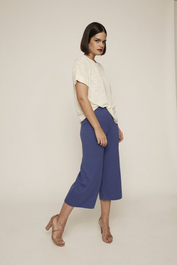 These uber comfortable high waist blue knit pants, feature an elastic waist and wide-leg fit. They are the perfect match for any given everyday look you may imagine. Made of 100% pure cotton.